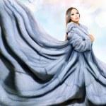 Beauty Fashion Model Girl in Blue Mink Fur Coat — Stock Photo #35710049