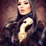 Beauty Fashion Model Girl in Mink Fur Coat — Stock Photo
