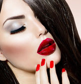 Sexy Beauty Girl with Red Lips and Nails. Provocative Make up — Stock Photo