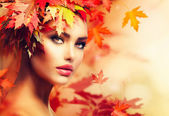 Autumn Woman Portrait. Beauty Fashion Model Girl — Stok fotoğraf