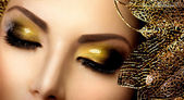 Fashion Glamour Makeup. Holiday Gold Glittering Eyeshadows — Stok fotoğraf
