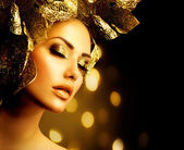 Fashion Glamour Makeup. Holiday Gold Make-up — Stock Photo