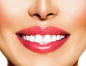 Healthy Smile. Teeth Whitening. Dental Care Concept — Stock Photo