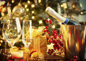 Christmas And New Year Holiday Table Setting. Celebration — Stockfoto