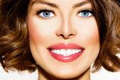 Teeth Whitening. Beautiful Smiling Young Woman Portrait closeup — Stock Photo