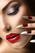Fashion Beauty Model Girl. Manicure and Make-up — Stock Photo