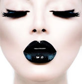 Fashion Beauty Model Girl with Black Make up and Long Lushes — Stock Photo