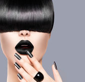 Beauty Girl Portrait with Trendy Hairstyle, Black Lips and Nails — Stock Photo