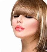 Beautiful Fashion Woman Hairstyle for Short Hair. Fringe Haircut — Stockfoto