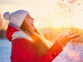 Beauty Winter Girl Having Fun in Winter Park — 图库照片