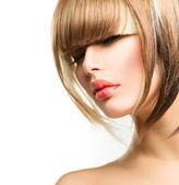 时尚靓丽的女人发型短发。刘海发型 — 图库照片