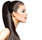 Ponytail Hairstyle. Beauty Brunette Fashion Model Girl — Stock Photo