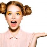 χαρούμενη έφηβος κορίτσι με φακίδες — Φωτογραφία Αρχείου #48637961