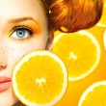 Model girl with juicy oranges. — Stock Photo #48639693