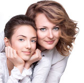 Mother and smiling teenage daughter — Foto de Stock