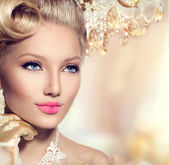 Vintage styled girl with make up — Stock Photo