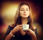 Girl with the Cup Tea — Stok fotoğraf