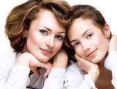 Mother and Teen Daughter — Stock Photo