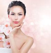 Spa woman with fresh skin. — Stock Photo