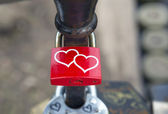 Locks of lovers  on bridge railings — Stock fotografie