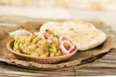 Chana masala with kulcha — Stock Photo