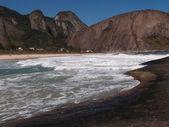 Itacoatiara beach in Niteroi, Brazil — Stock Photo
