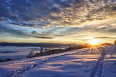 Majestic sunset in the winter mountains landscape — Stock Photo