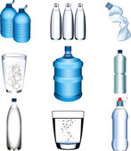 Water bottle and glasses photo-realistic set — Stock Vector