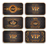 Set of VIP gold cards with floral pattern — Stockvector