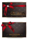 Sobres invitación elegante de vacaciones con cintas rojas — Vector de stock