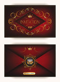Elegant vintage gold vip invitation envelope with crown on the red background — Vettoriale Stock