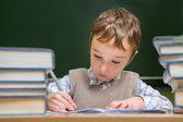 Niño en la escuela — Foto de Stock