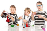 Children learn chemistry, work in the chemical laboratory — Stock Photo