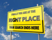 Verkeersbord met woorden juiste plaats — Stockfoto