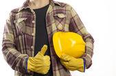 Werknemer met beschermende handschoenen en helm — Foto Stock