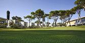 Pensionering gemeenschap condos op een resort golfbaan — Stockfoto