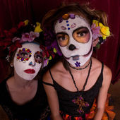 Dia De Los Muertos Teens — Stock Photo