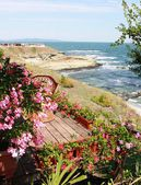 Garden above the sea — Stock Photo