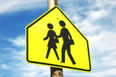 School Crossing Sign and Sky — Stock Photo