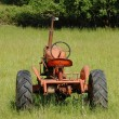 Old Tractor in a Field — Stock Photo