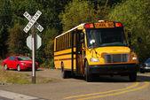Buss i korsningen — Stockfoto