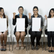 Indian judges hold up blank cards. — Stock Photo #16896713