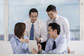 Zespół firmy współpracują — Zdjęcie stockowe