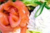 Closeup tiro de bacon ahumado con queso crema — Foto de Stock