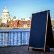 Copy space concept, River Thames background — Stock Photo