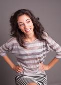 一个漂亮的年轻女士,微笑的肖像 — 图库照片