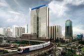 небо поезд в бангкоке — Стоковое фото
