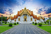 Traditional Thai architecture, Wat Benjamaborphit or Marble Temple, Bangkok — Stock Photo