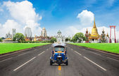 Concept, Tuk tuk for passenger cars To go sightseeing in Bangkok — Stock Photo