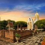 Wat Phra Sri Rattana Mahathat Temple, Phitsanulok, Thailand — Stock Photo #30988283